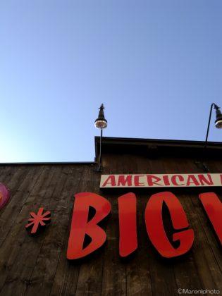 BIGの看板