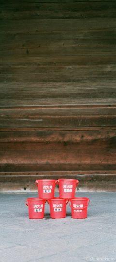 東寺の消火用バケツ