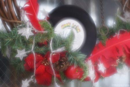 ドーナツ盤のクリスマスデコレーション