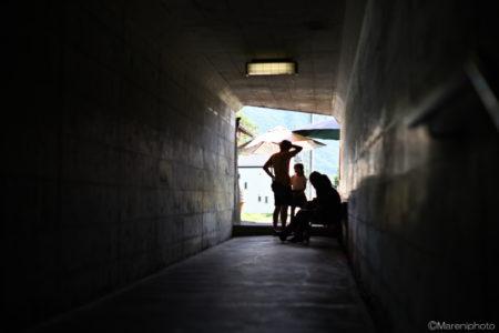 遊歩道のトンネル