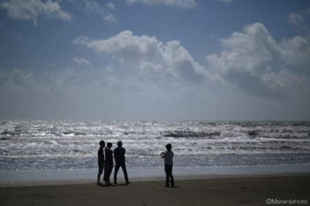 浜辺の人々